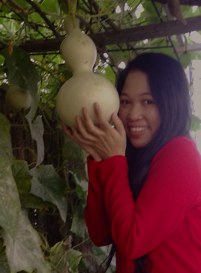 Jendhamuni holding bottle gourd